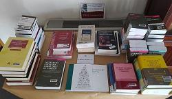 T'interesa algun d'aquests 10 llibres que encara ens queden en estoc a la Biblioteca de l'ICAG?